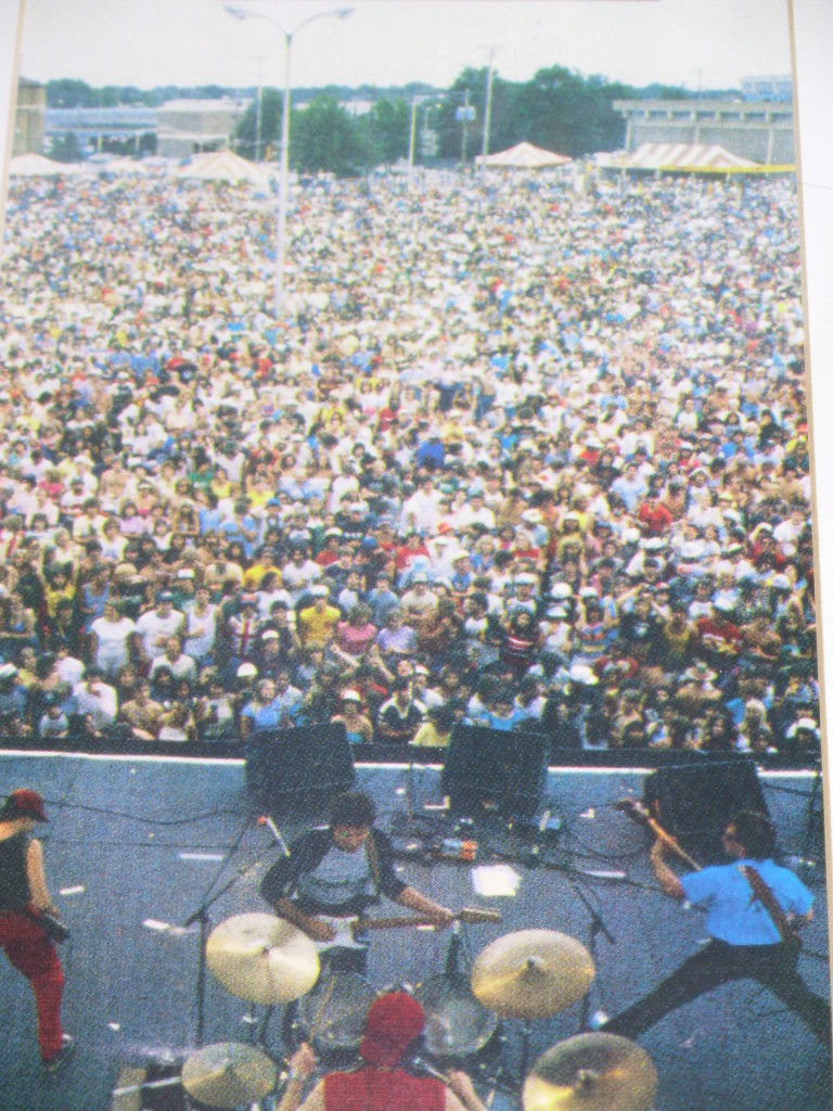 with 17,000 friends at the Mid-South Fair. early '80's